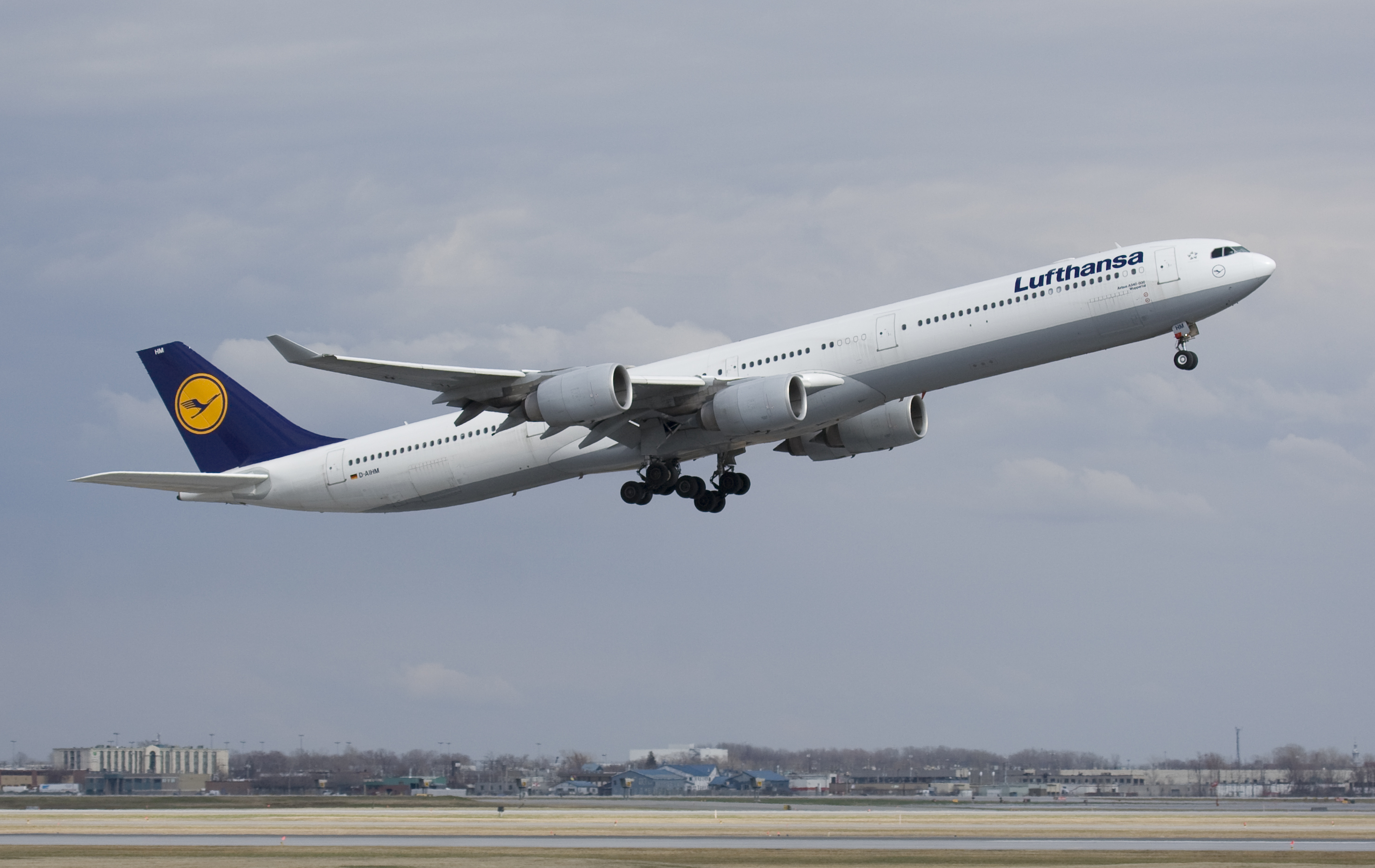 lufthansa starts airbus a340 600 phase out. Black Bedroom Furniture Sets. Home Design Ideas