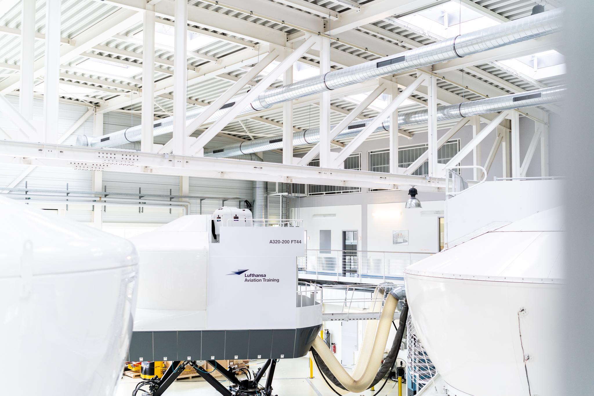 Lufthansa Aviation Training extends simulator fleet and expands
