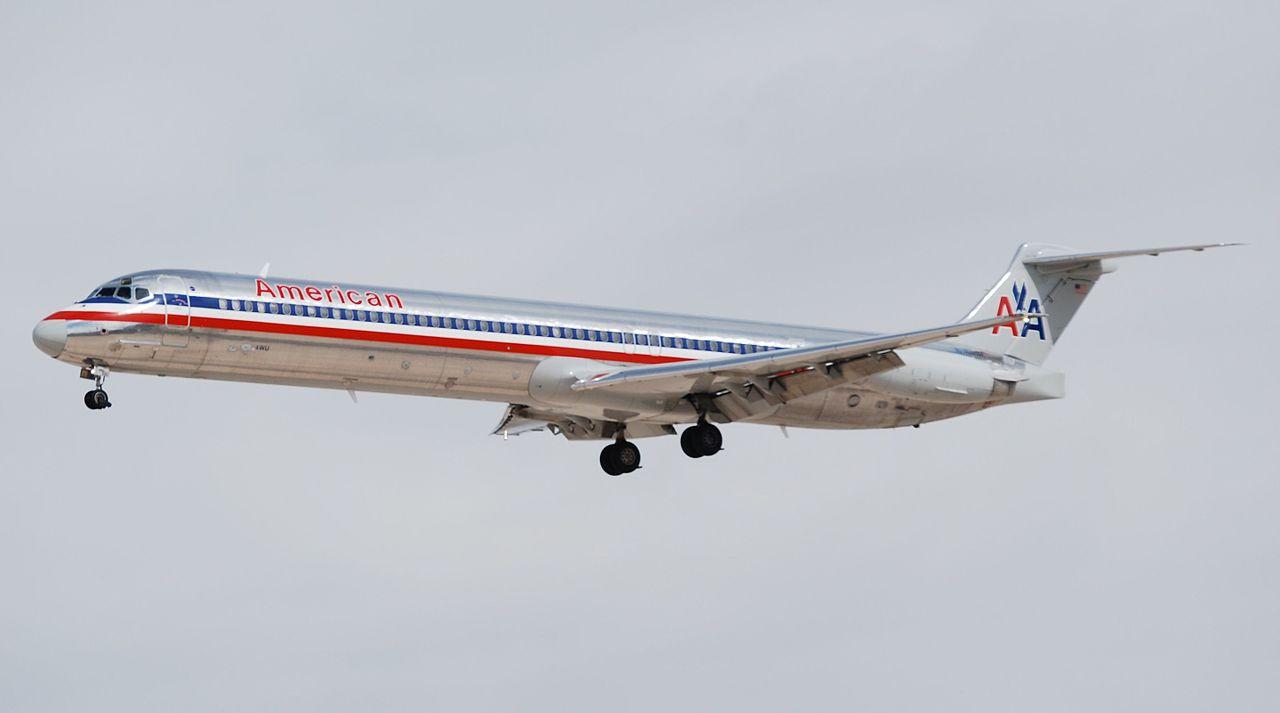 Resultado de imagen para American Airlines MD-80